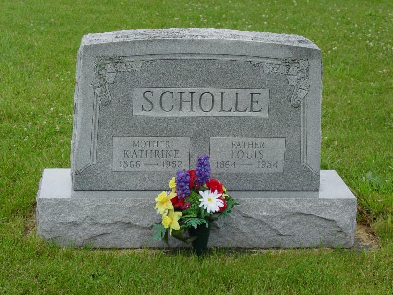 Louis and Kathrine Scholle Tombstone